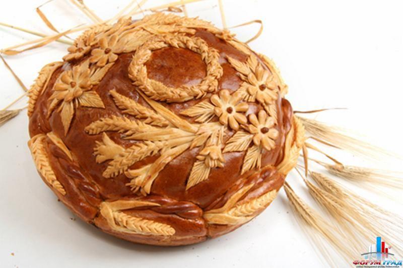 Как красиво оформить сдобный пирог