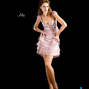 Вечерние платья и женские костюмы (44)