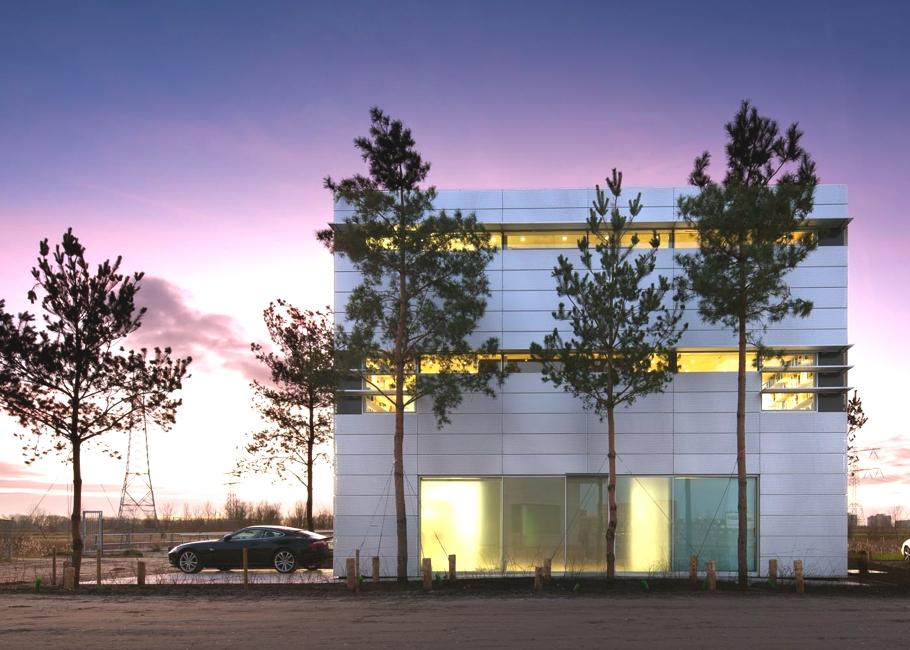 Авторские современные дома: светлый особняк в Нидерландах от Hanc van Heeswijk