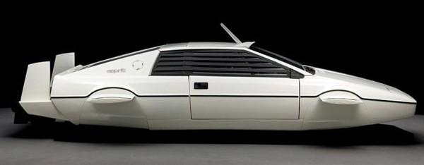 Субмарина автомобиль Джеймса Бонда