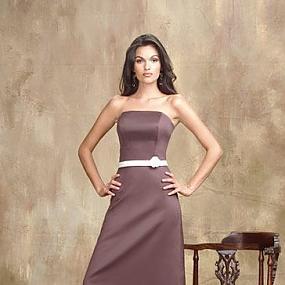 оптом Шелковое платье без бретелек.