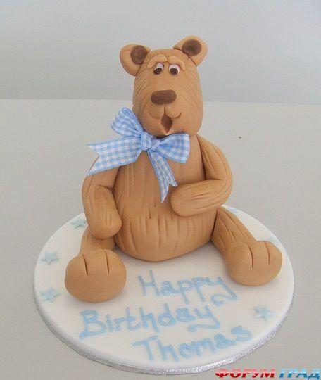 Красивый торт в виде медведя, думаю имениннику должен обязательно понравиться.