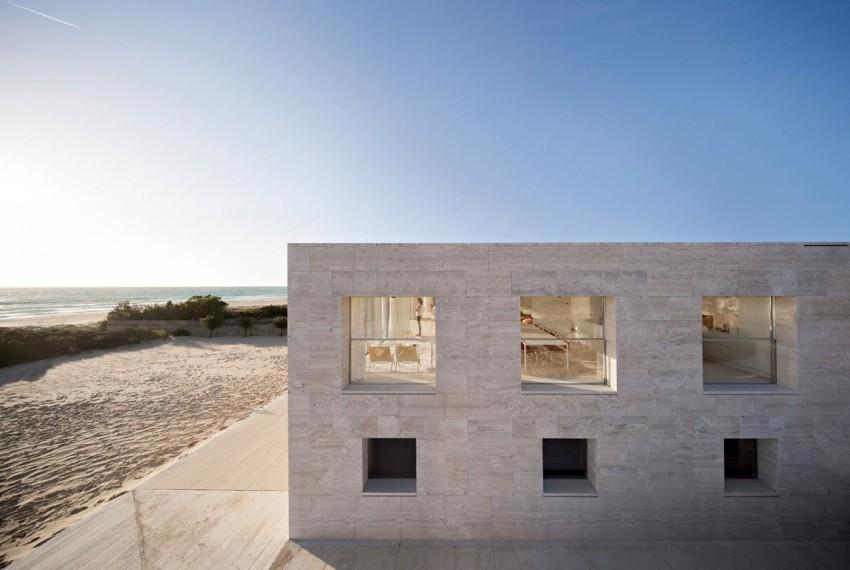 Бассейн на крыше частного дома в Испании
