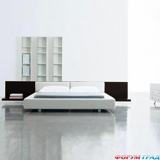 Мне очень нравятся кровати на подиуме.  Но вот практичны ли они.
