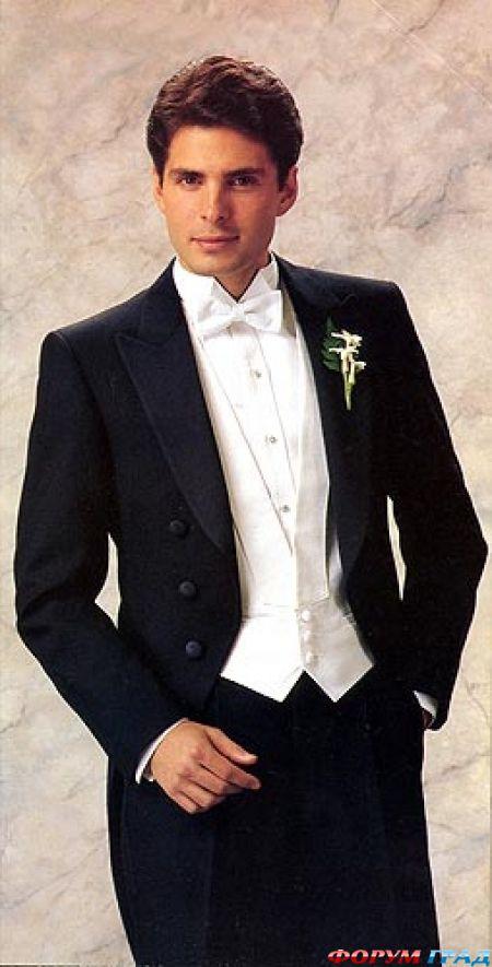 На свадьбу в смокинге.  Традиционность костюма-тройки и.