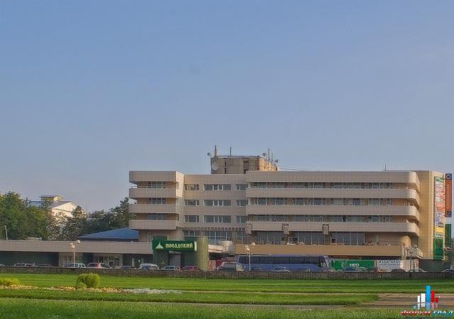 """Отель и ресторан  """"Посадский """" представляет собой современный комплекс, расположенный в центре города Сергиев Посад..."""