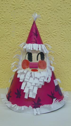 ...которого можно поставить под новогоднюю елочку, вам понадобятся. краски или фломастеры. клей4. цветная и белая...