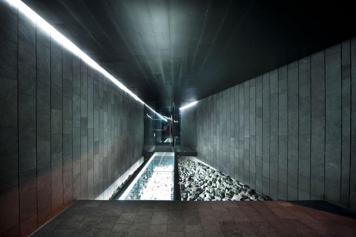 Необычный дом от Joan Puigcorbe: странная планировка и кинематографичный интерьер