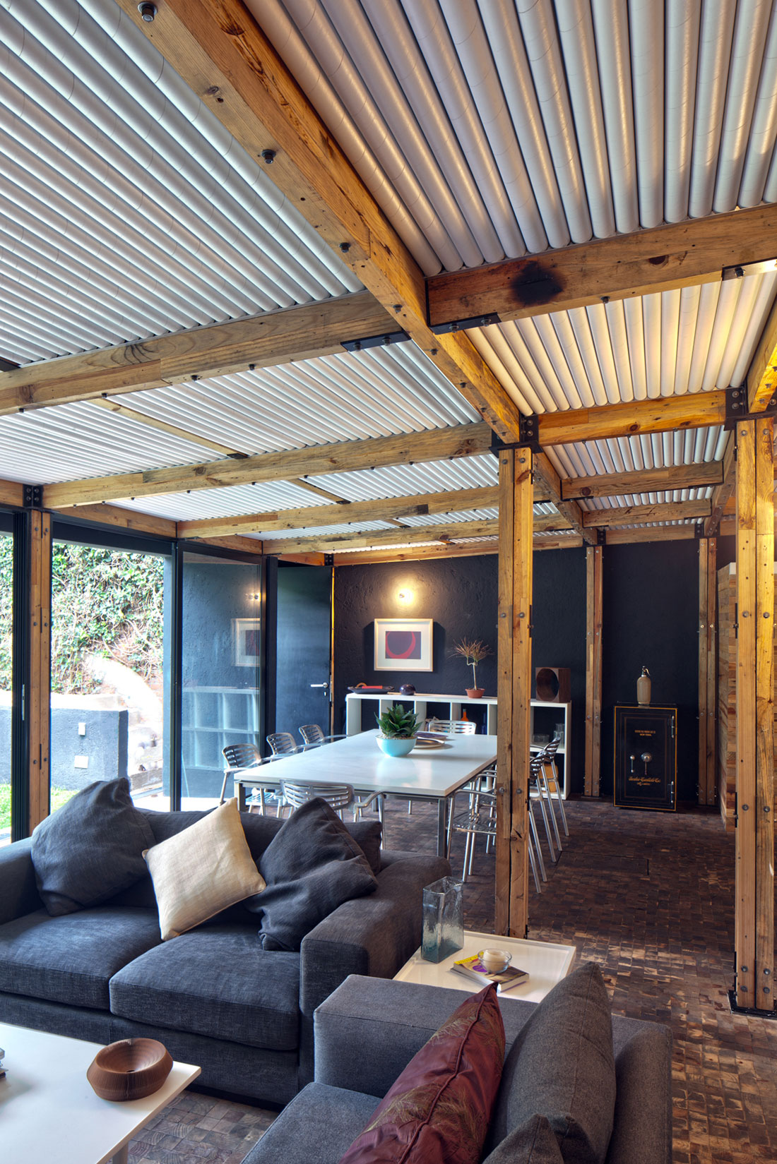 Дома из стекла и дерева: яркий и комфортабельный проект Casa Calero
