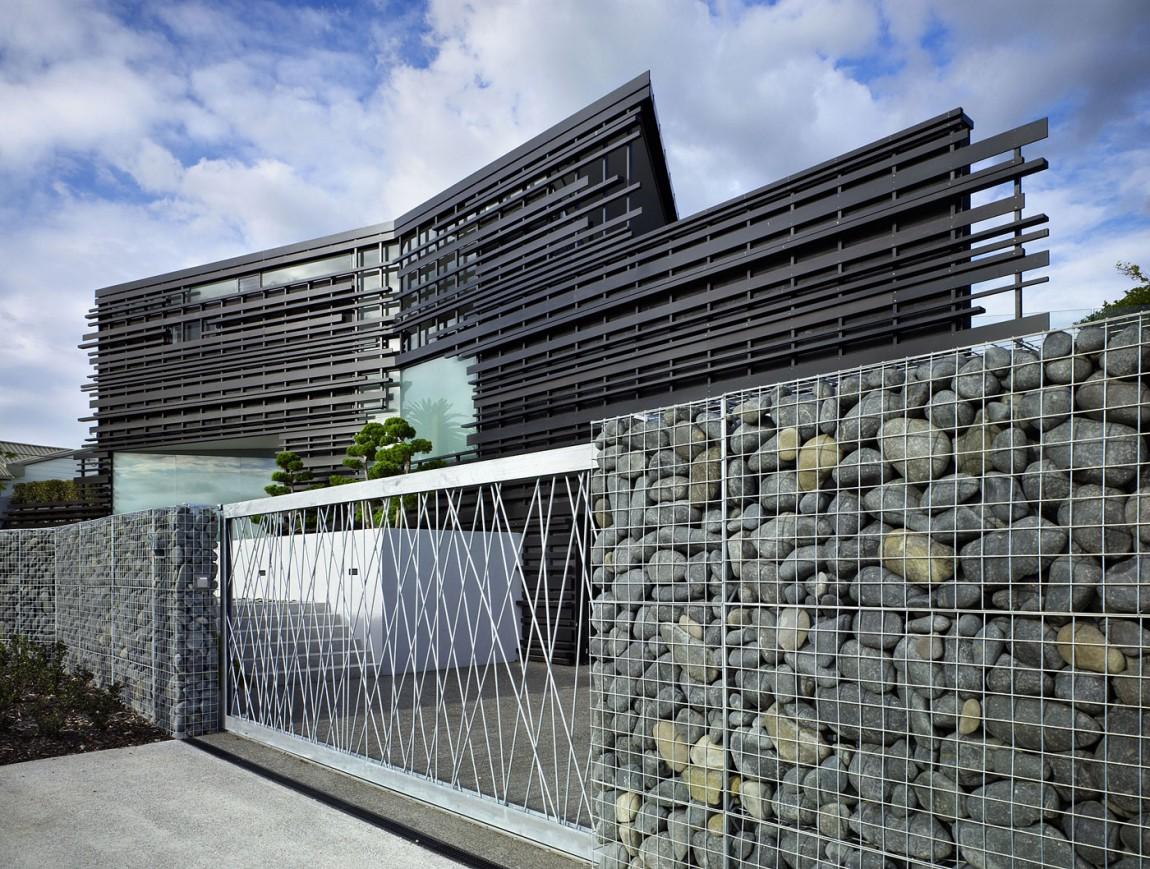 Дома из канадского кедра: удивительный фасад особняка от Bossley Architects