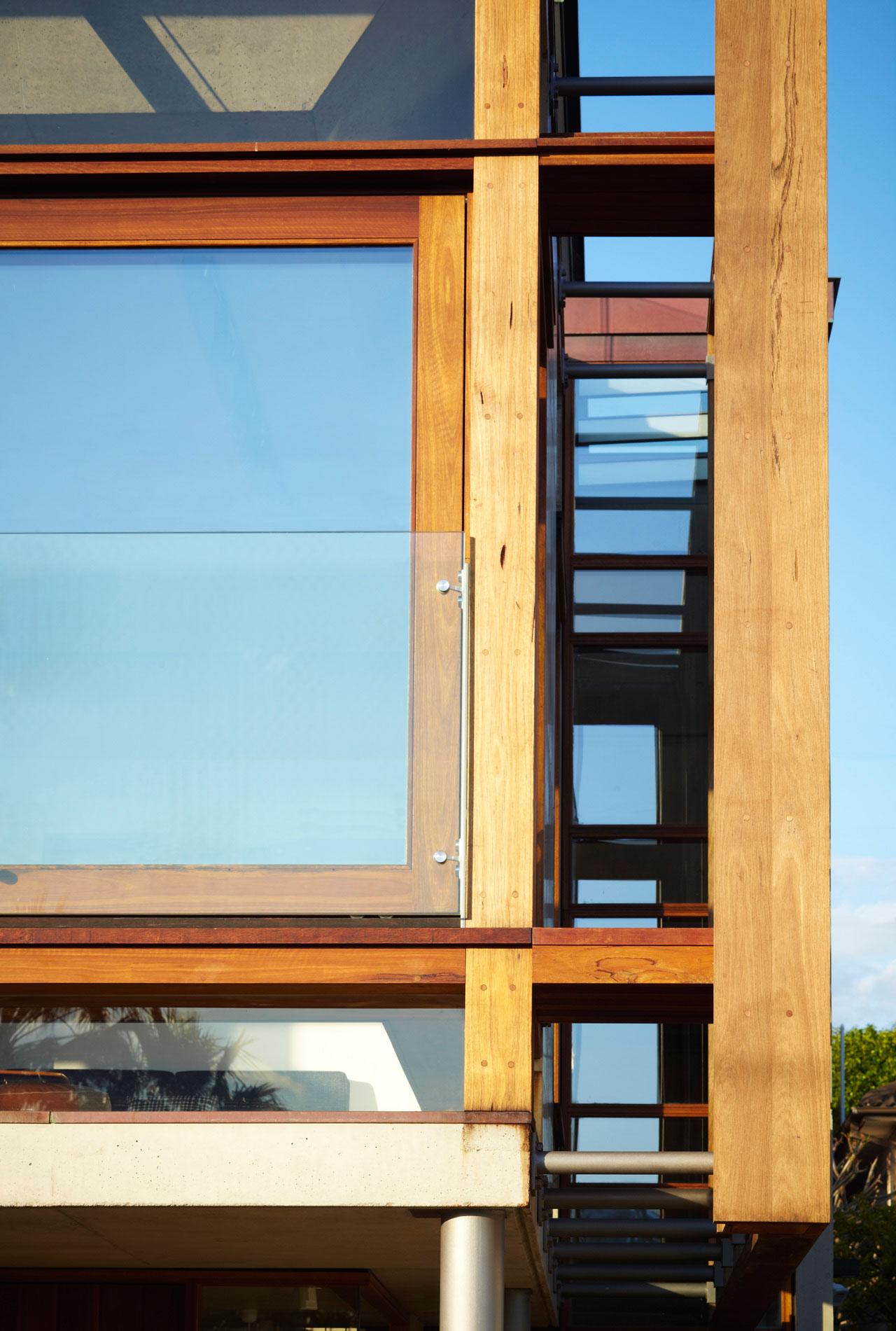Дома из стекла и дерева: уютный Freshwater House в Австралии