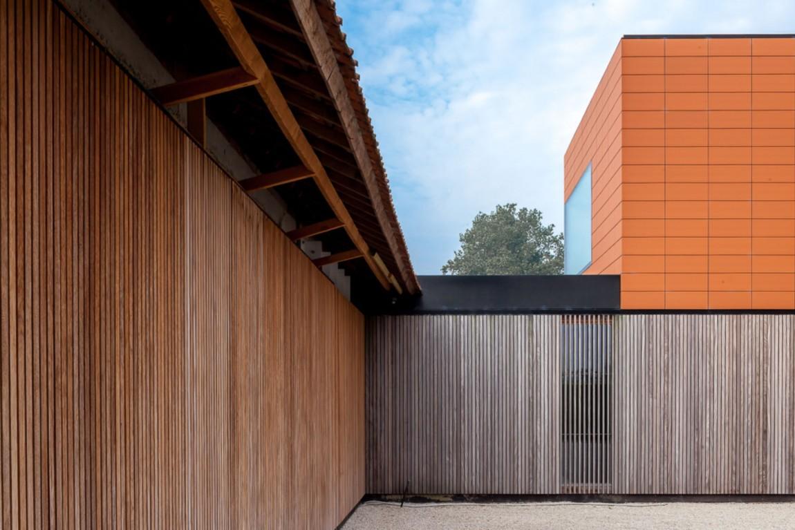 Простой дом с изящными акцентами в Бельгии