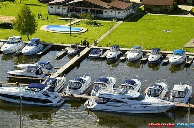 стоянка лодки на пестовское водохранилище