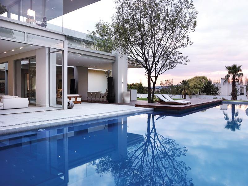 Дизайн элитного коттеджа от Summersun Property Group в Йоханнесбурге
