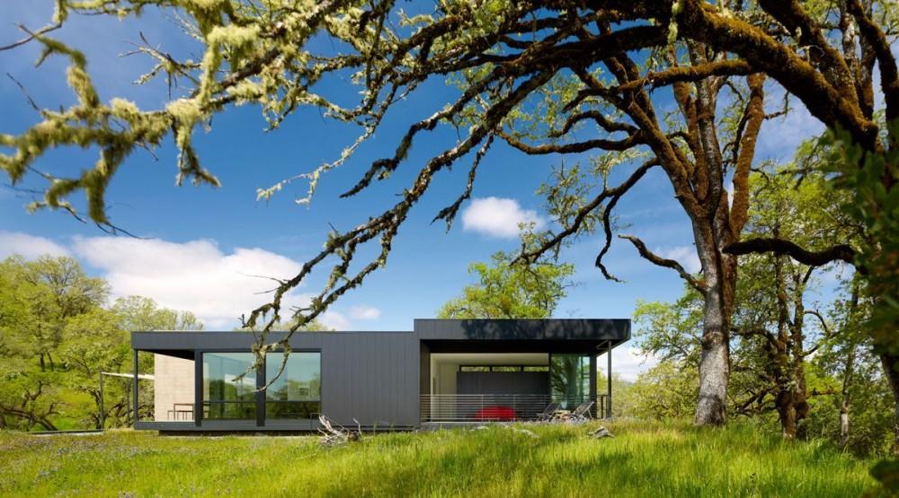 Красивые одноэтажные дома с террасой: очаровательный коттедж в Калифорнии