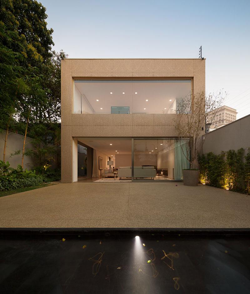 Красивые частные дома: проекты и фото семейного коттеджа K House