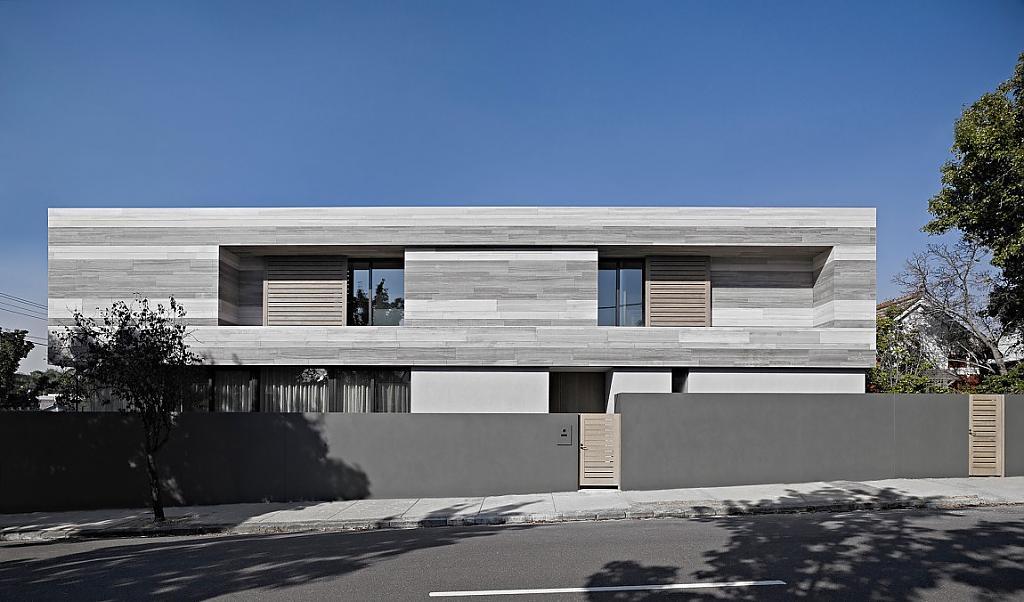 Параллелепипед в архитектуре, или Красочность серого цвета