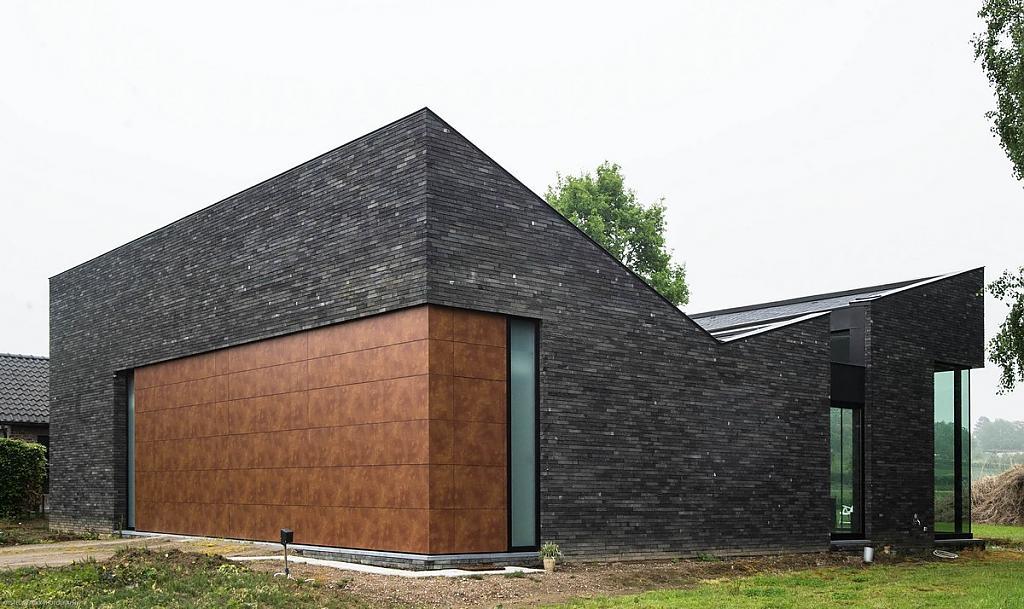 Необычные одноэтажные дома: просторный коттедж для пожилой пары от Blanco Architecten