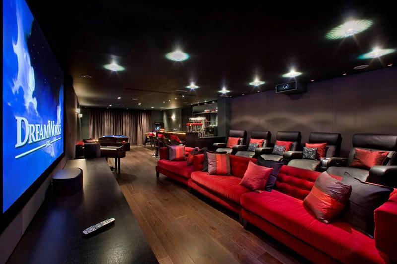 Домашний кинозал Grange View в элитном коттедже Харрисона Варма, Лондон