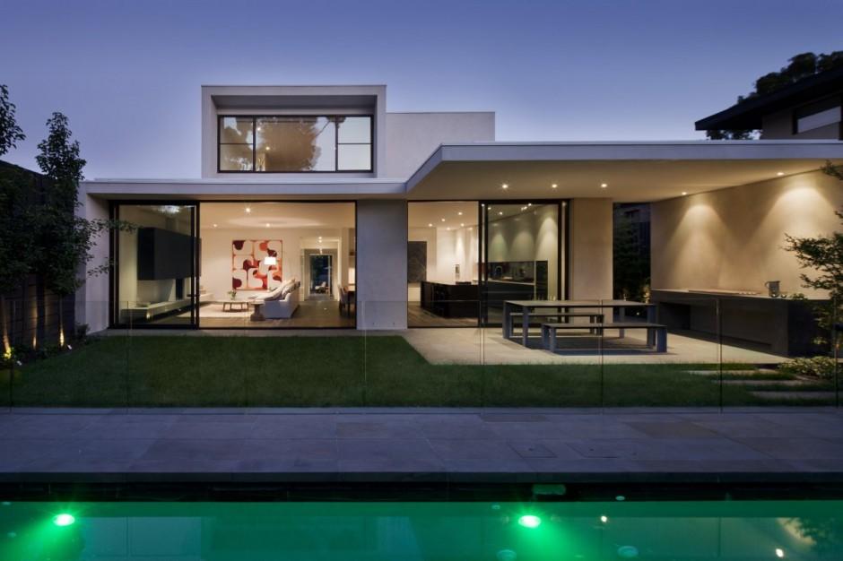 Интерьер двухэтажного дома: лёгкость и минимализм