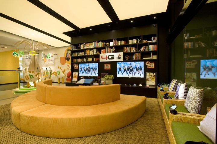 One2free Мegastore - магазин мобильных телефонов в Гонконге, Китай