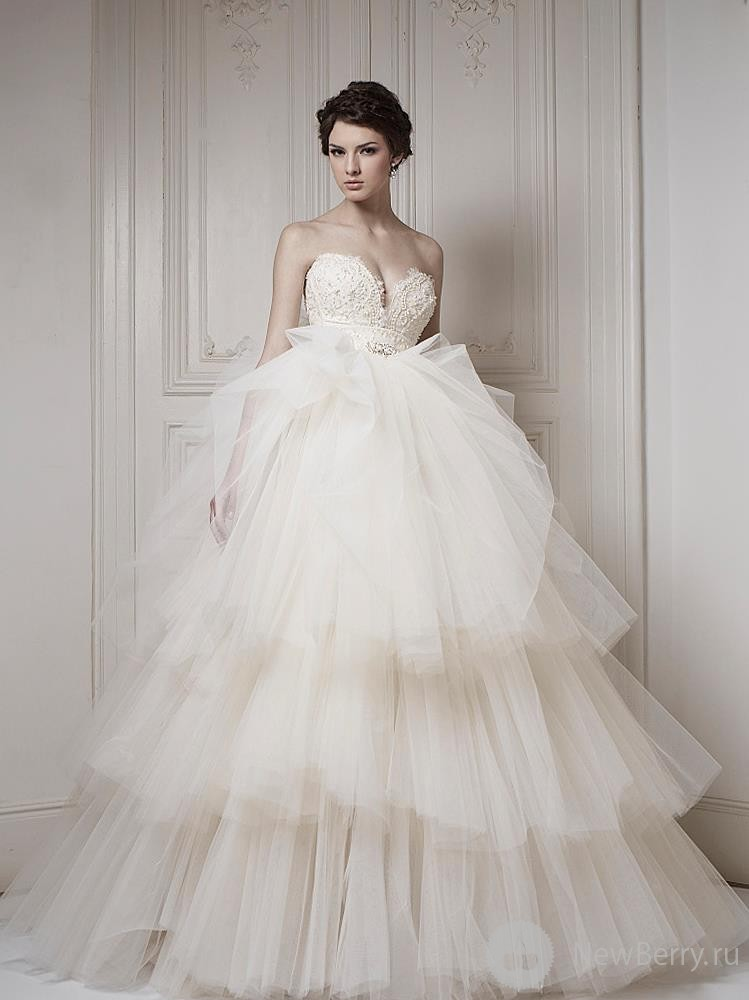 Потрясающие подвенечные платья для девушек, которые страстно желают почувствовать себя королевами, создает дизайнер Ersa Atelier