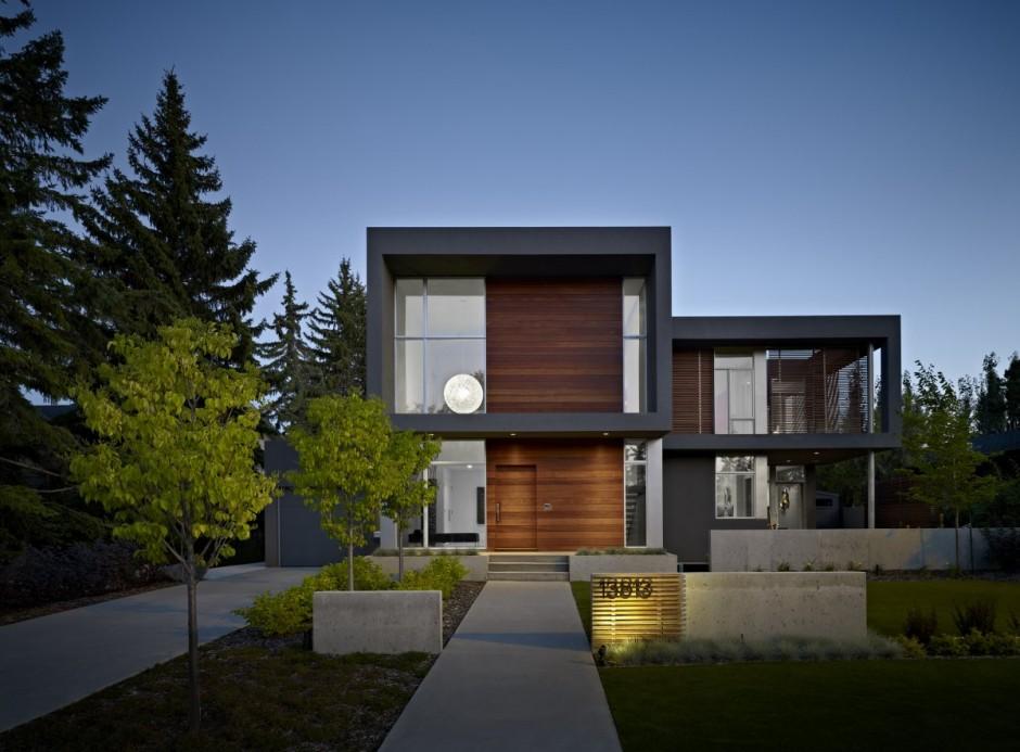 Загородная вилла The Summit House с видом на лес в Канаде