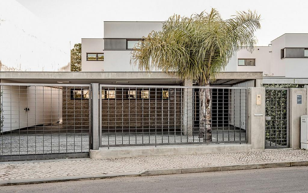 Интерьер дома с тиле минимализм: простор и прохлада в португальском Vilamoura House