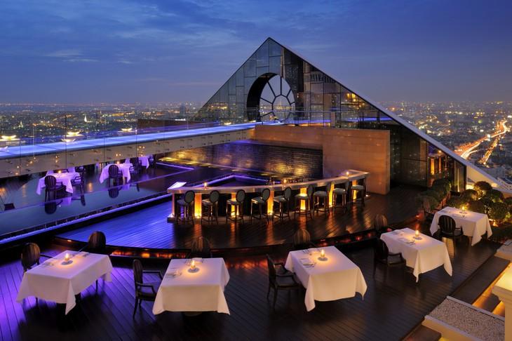 5-звёздочный отель Lebua