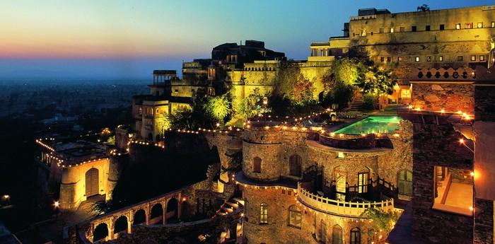 Крепость Нимрана на вершине холма
