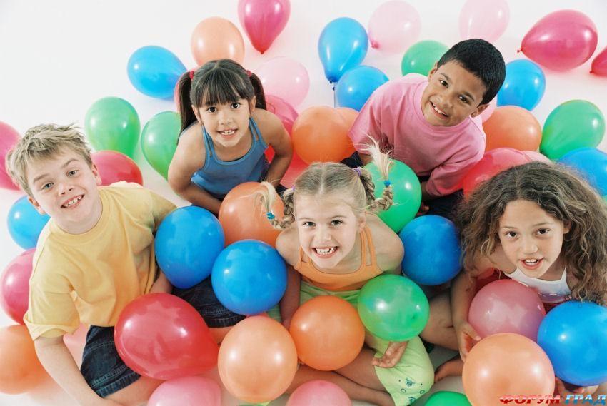 Показать.  Детские праздники, утренники.  Лиза.  Написать автору. номер: 106425929...