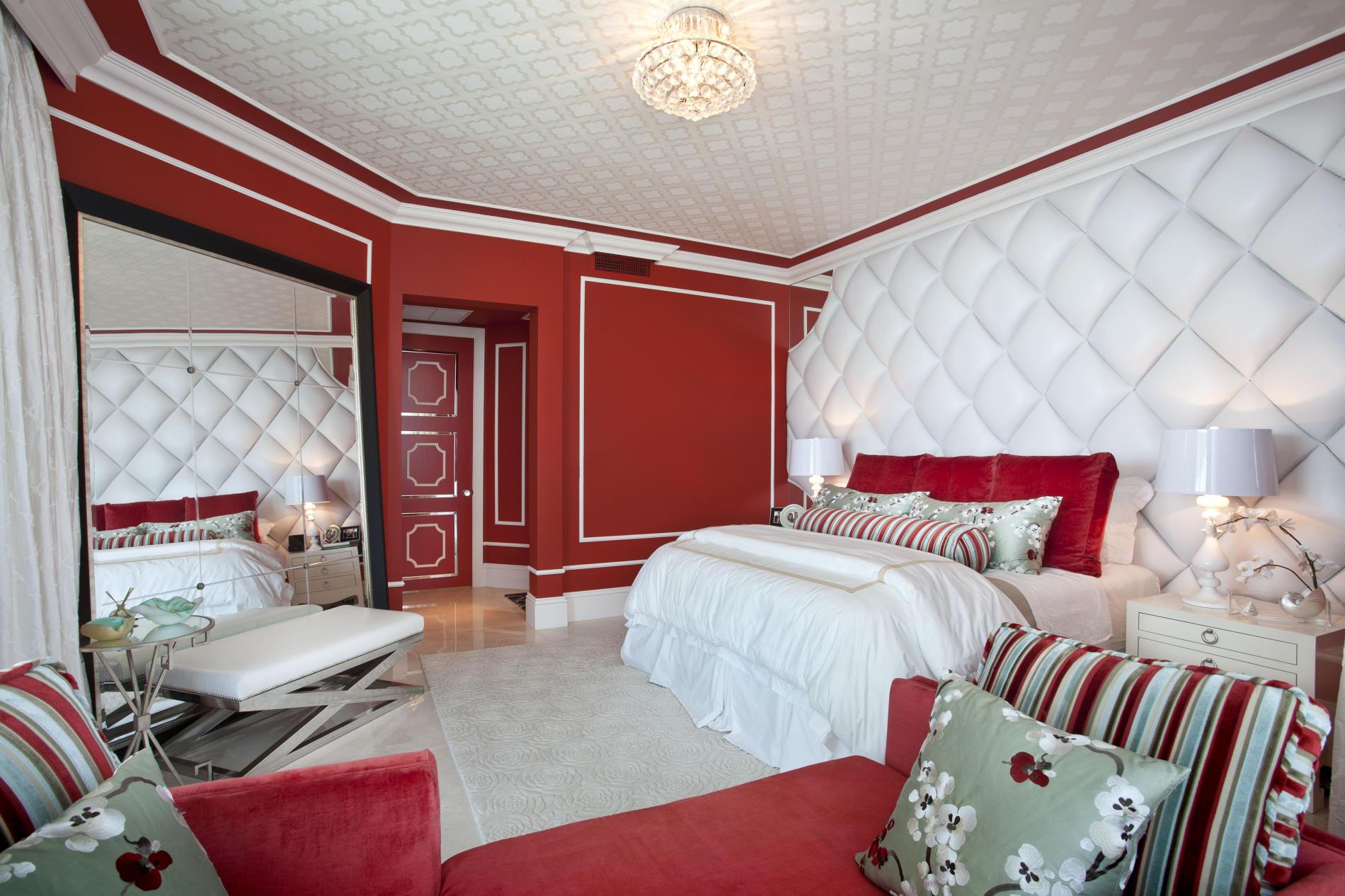 Спальня в красном цвете фото