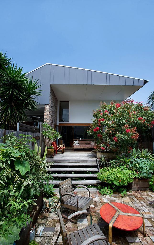 Проект дуплекса на две семьи: эклектичный Marrickville в Австралии