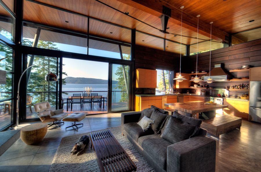 Дом на берегу озера: фото просторного коттеджа Coeur D - Alene