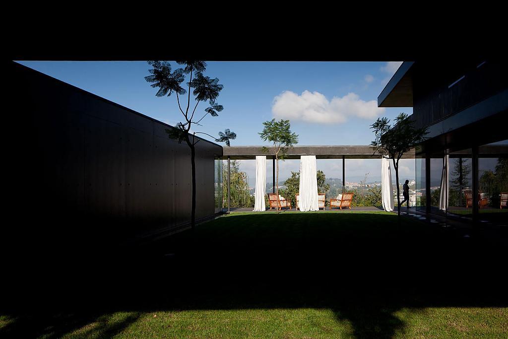 Загородный дом L23 португальской фирмы Pitágoras Arquitectos