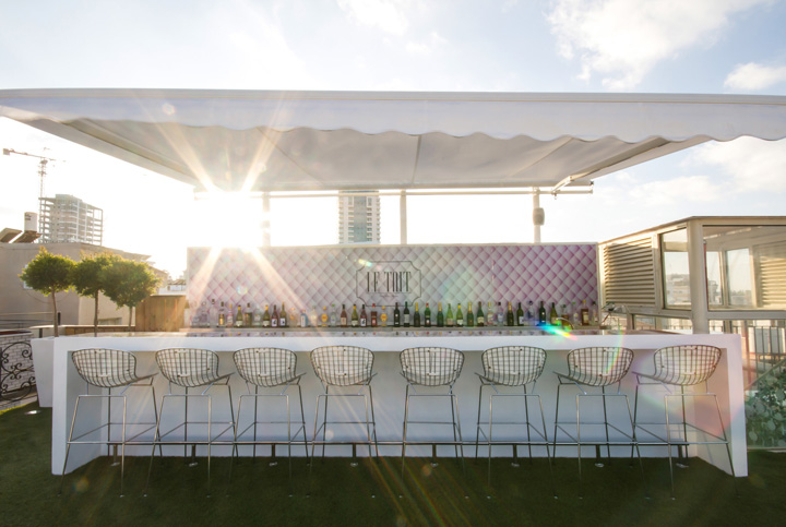 Бар Le Toit lounge bar на крыше