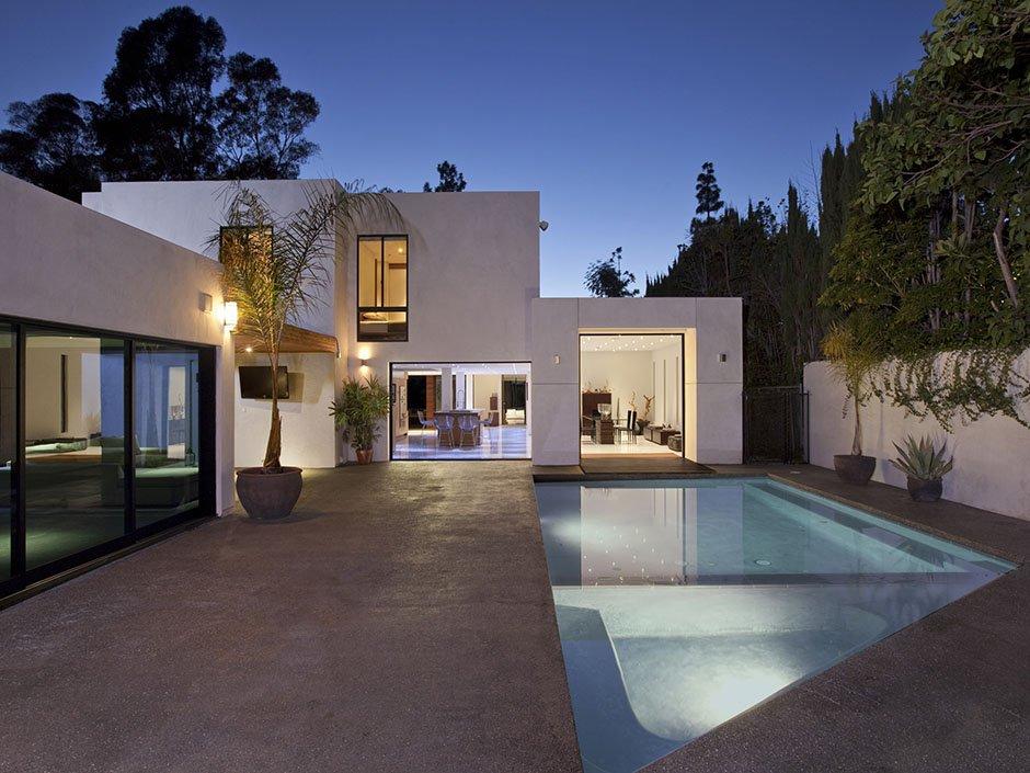 Красивые дома в Беверли-Хиллз: особняк с бассейном от Freshome