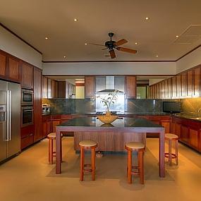 Five-bedroom luxury seaside villa in phuket, is enchanting