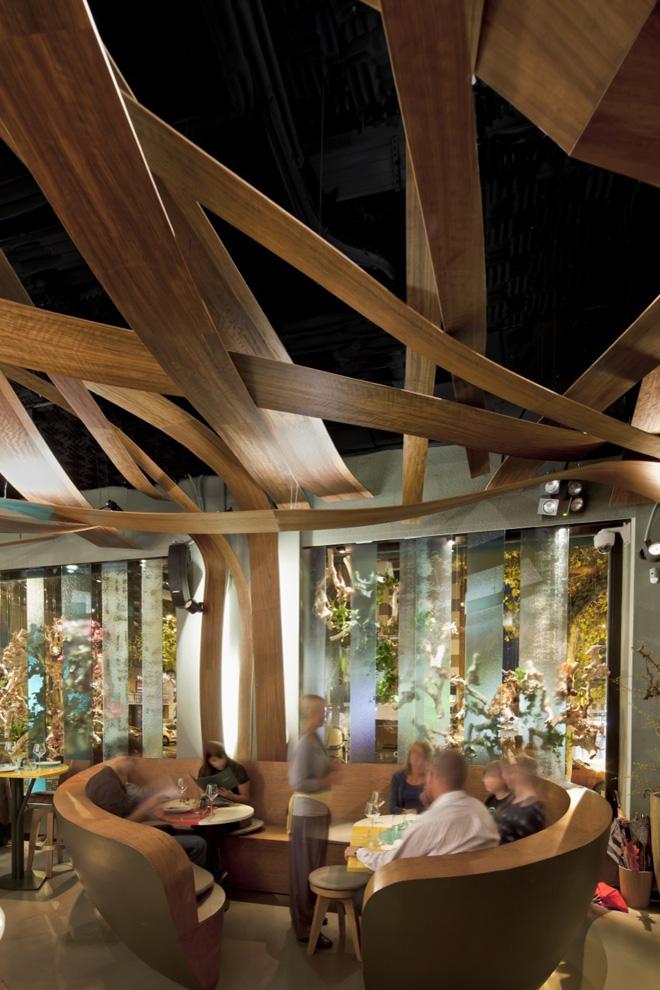 Экзотический ресторан Ikibana с японско-бразильской кухней в центре Барселоны