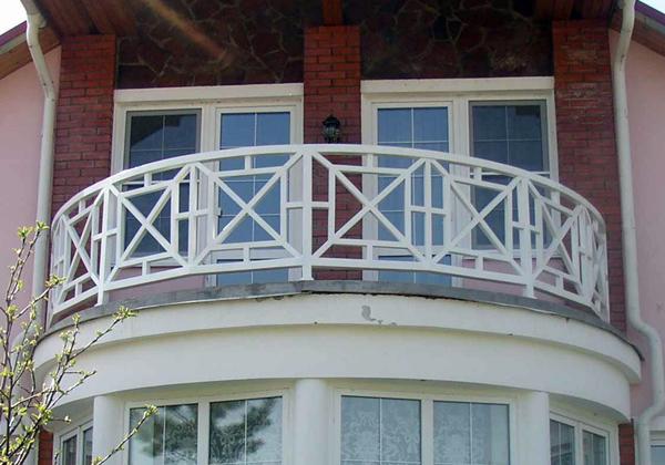 Pobedpix.com / полукруглый балкон.