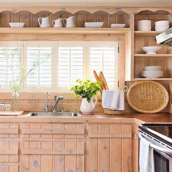 Кухонные шкафы из дерева