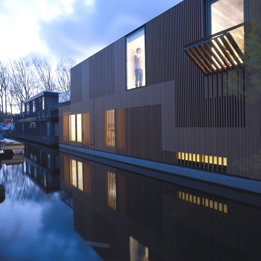 Креативный проект дома Water Villa