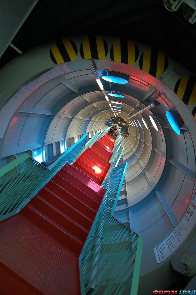 Лестница в отеле Atomium Kidsphere