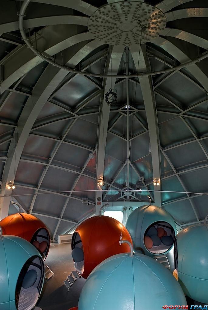 Спальные места для детей в отеле Atomium Kidsphere