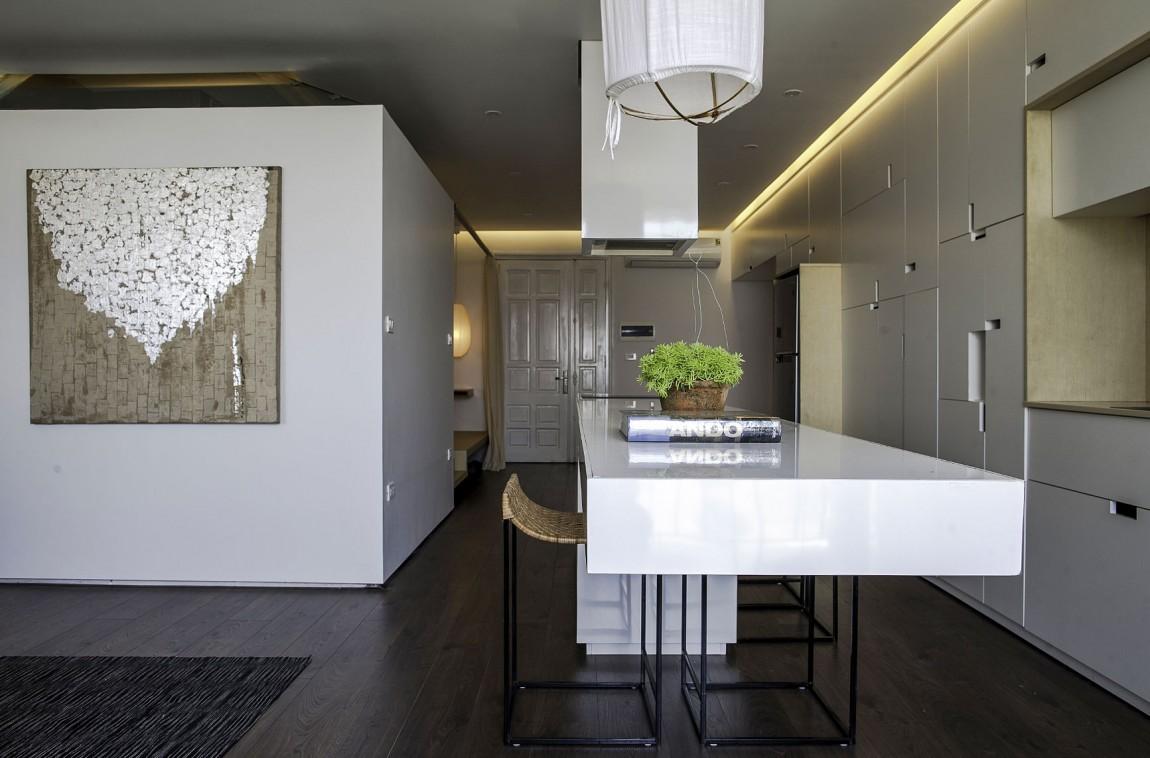 Красивый загородный дом с простыми формами