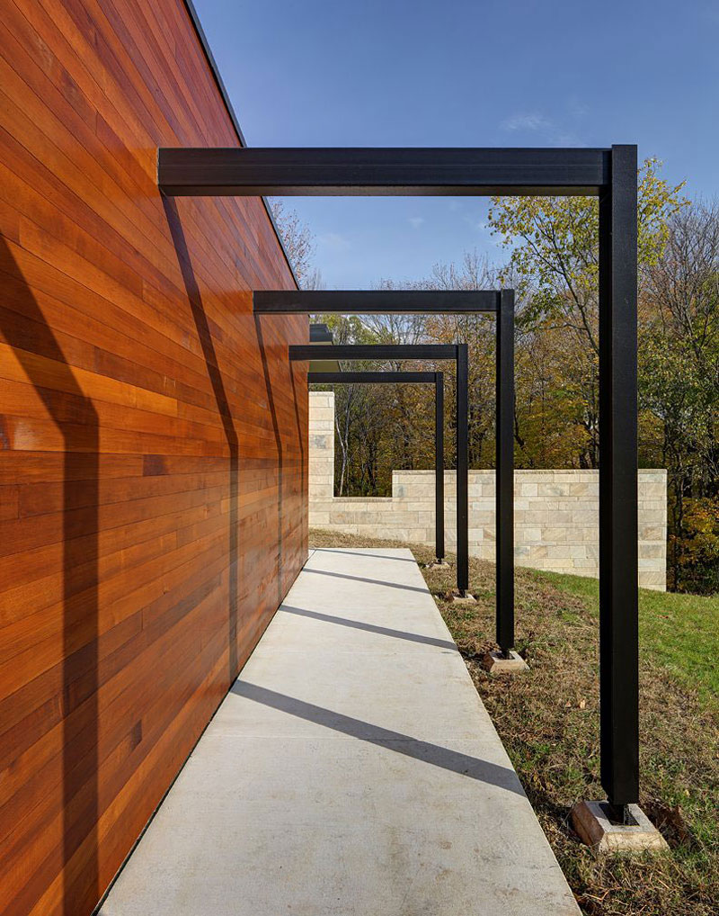 Дома на склоне холма: уединённый коттедж от Bruns architecture
