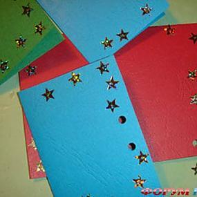 Праздничные открытки из бисера своими руками.