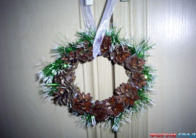 Простые идеи рождественских венков - Страница 2 - Дом украшаем .  Размер: 452=640.  Этот мастер-класс расскажет.
