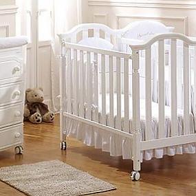 детские кроватки белые.