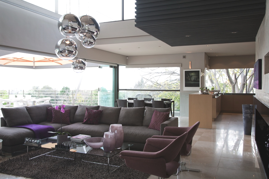 Интерьер особняка Eccleston: прозрачность и комфорт